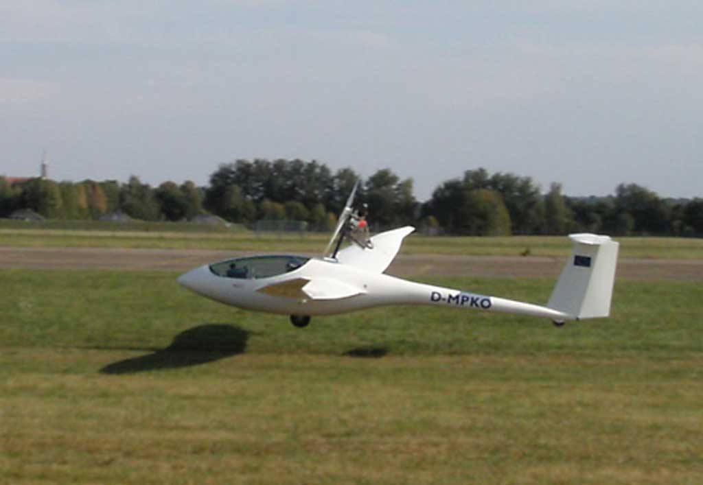 MOTOR-GLIDER - View all our Gliders with Engines | Light